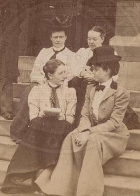 Martha Tracy with members of WMC class of 1903, p1481